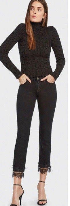 Super Stretch Crop Jeans with Lace Hem