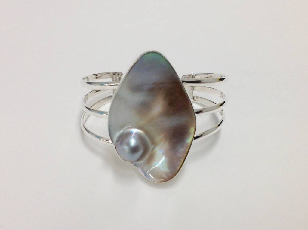 Mabe Blister Pearl Cuff