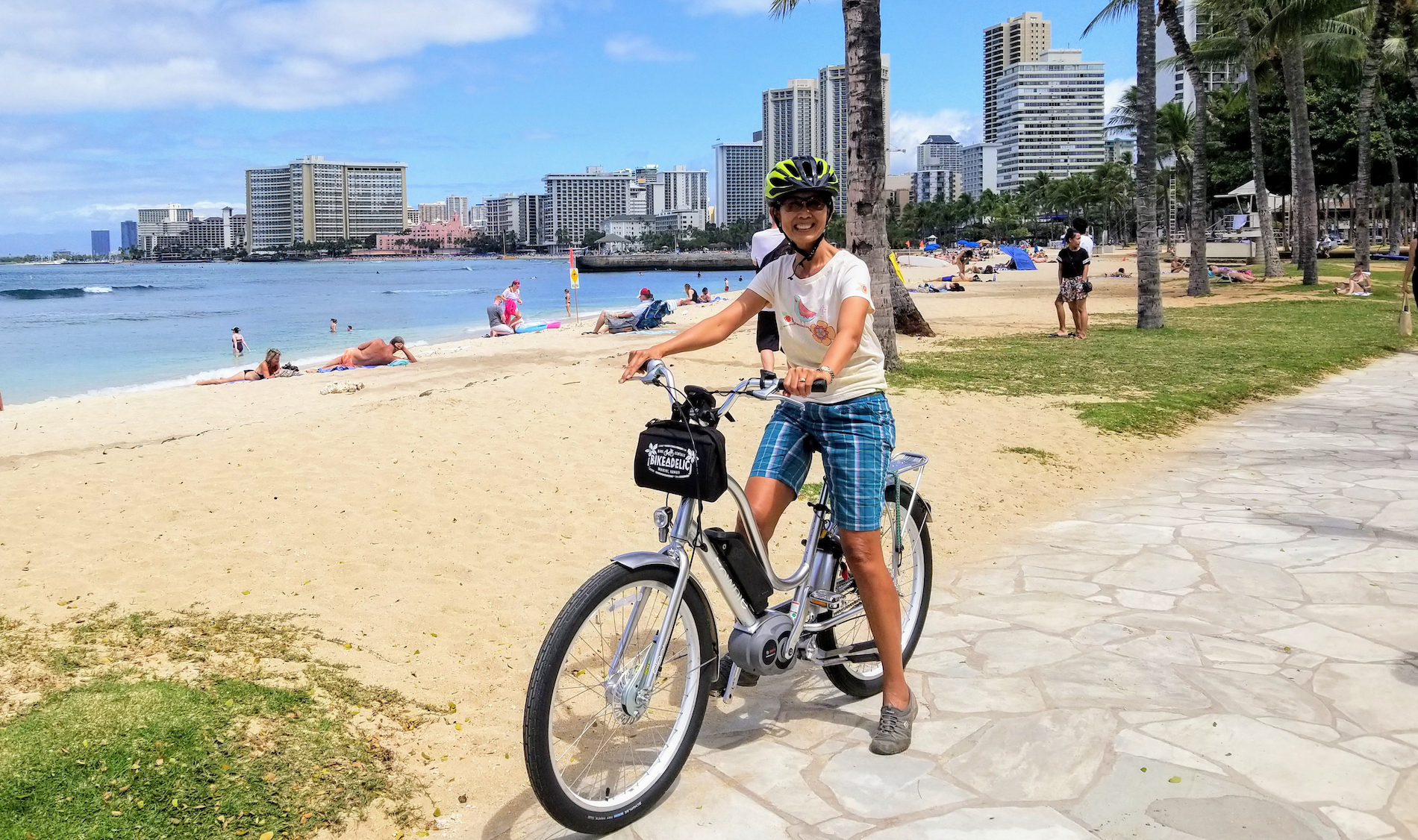 Electric bike rental Waikiki beach