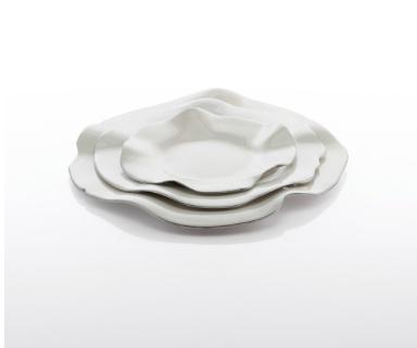 Medium Ruffled Plate, Oyster