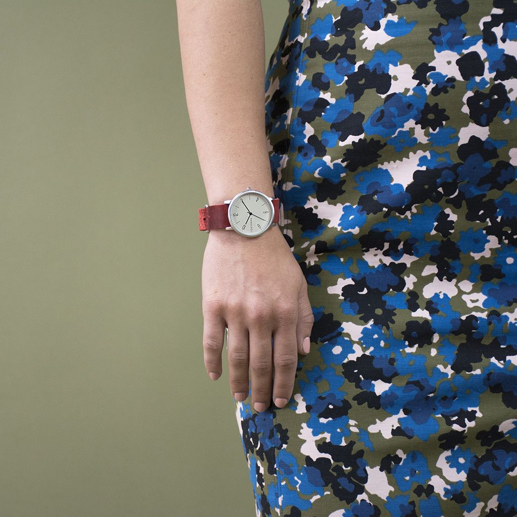 SMALL NATO WATCH, RED