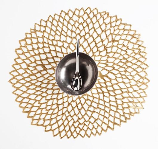 "14"" Round Pressed Dahlia Table Mat, Brass"