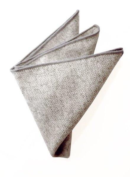 Pochette de costume chevron gris clair