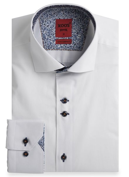 XOOS White fitted dress shirt with floral braid