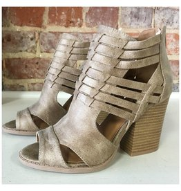 Shoes 54 Strappy Strides Taupe Sandal