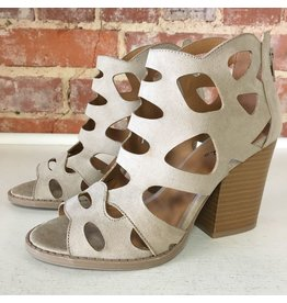 Shoes 54 Day Tripping Summer Taupe Sandal