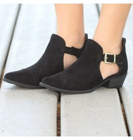 Shoes 54 Cut Out For You Black Booties