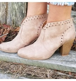 Shoes 54 Shape Of You Taupe Booties