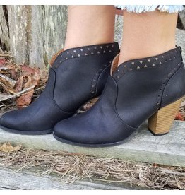 Shoes 54 Shape Of You Black Booties