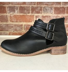 Shoes 54 Free Fall Buckle Bootie