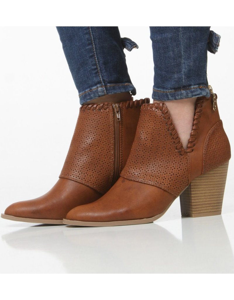 Shoes 54 Stride Right Tan Bootie