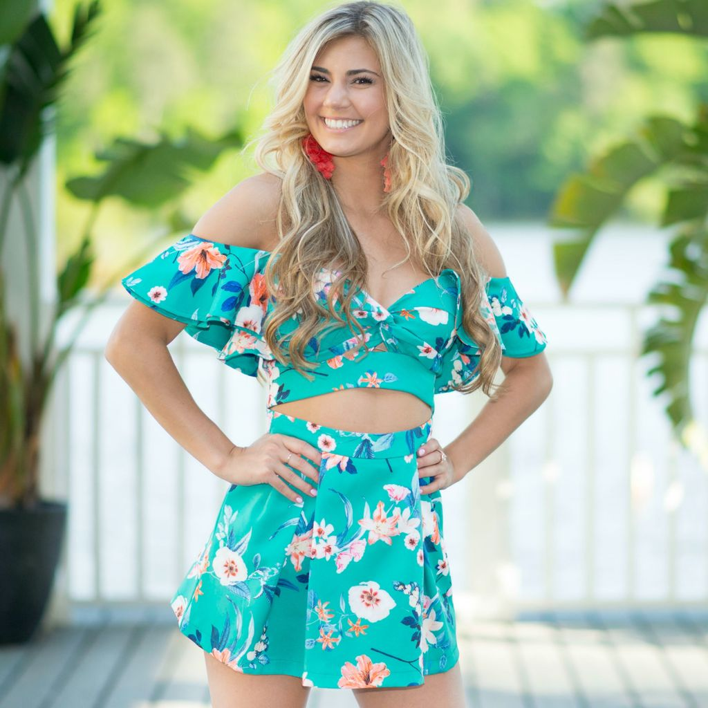 Tops 66 Bright Blooms Floral Top