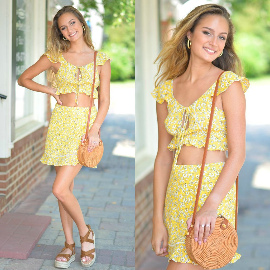 Tops 66 Summer Florals Yellow Top