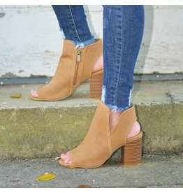 Shoes 54 Report Camel Block Heel Bootie