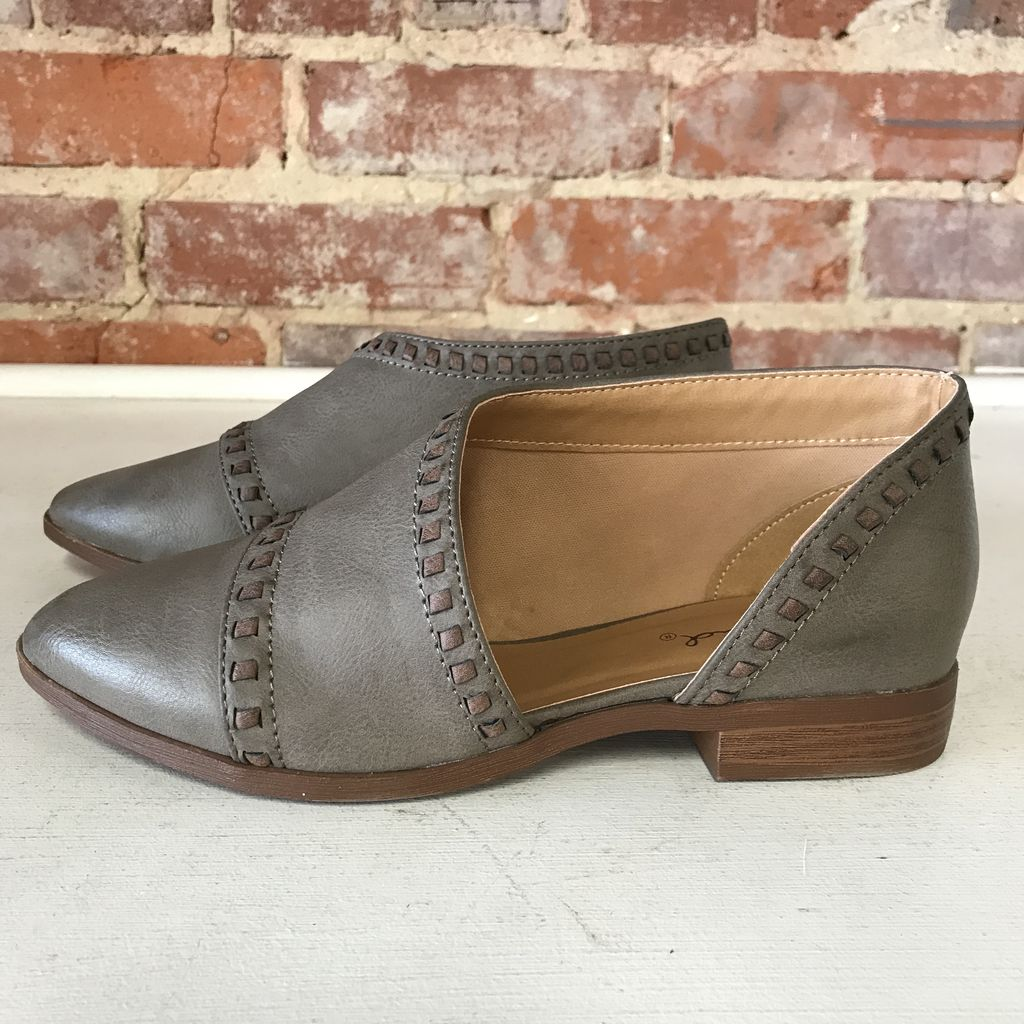 Shoes 54 Wanderlust Stitched Stone/Brown Bootie