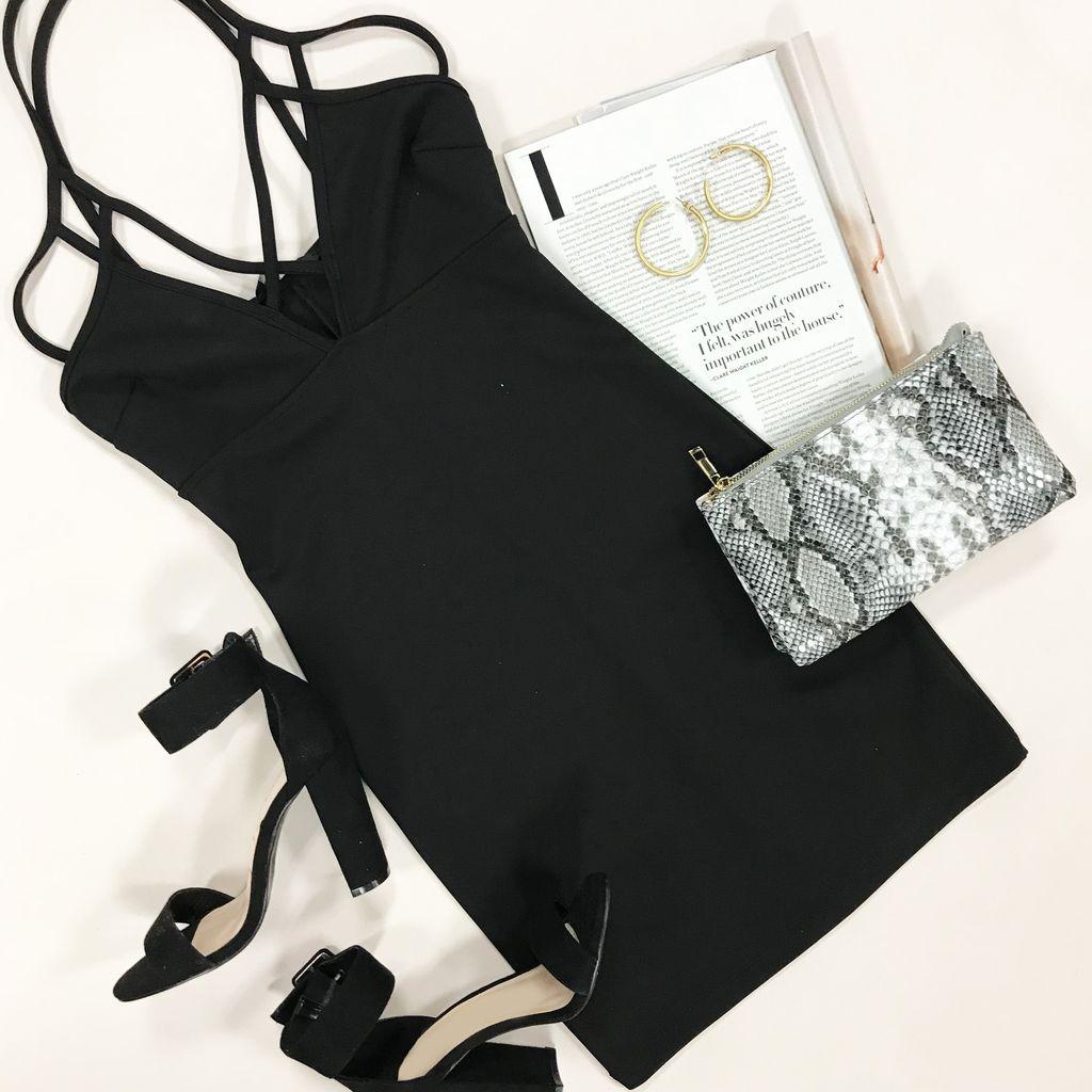 Dresses 22 Night Essential LBD