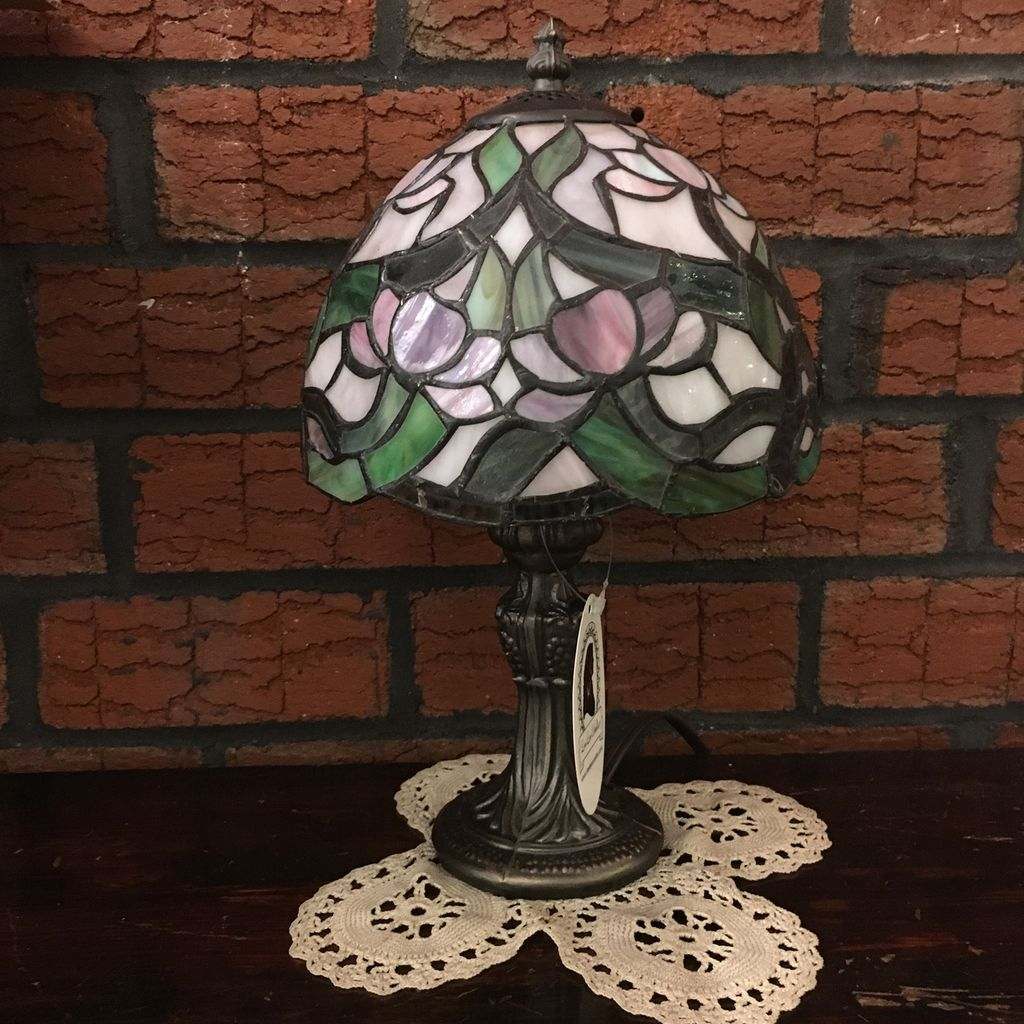 Lee Lee's Valise Tiffany Style Lamp
