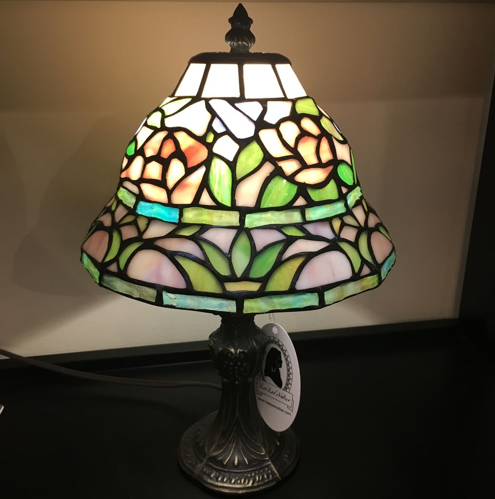 Lee Lee's Valise Tiffany Style Lamp Tiered Shape