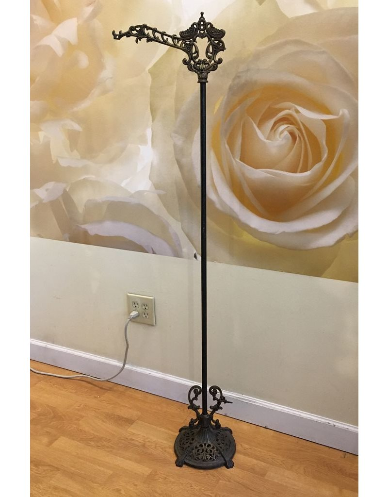 Lee Lee's Valise Antique Gas Lamp Stand
