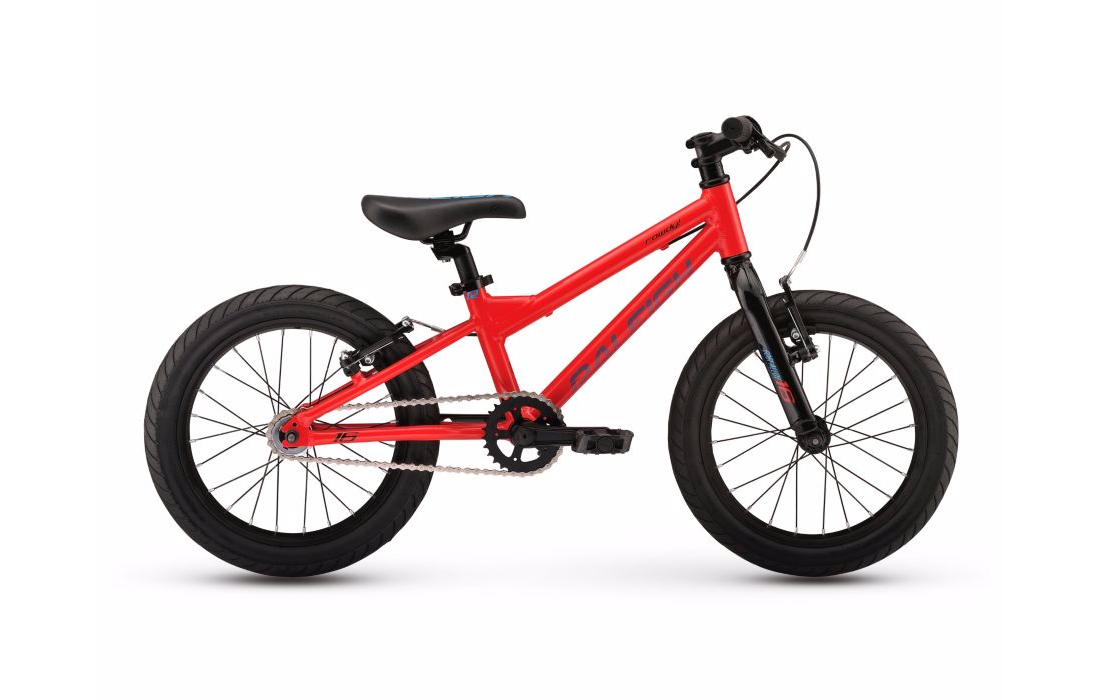 The MXR 16 is the perfect gateway for a boy 3-5 years old preparing for his first big kid bike. Equipped with training-wheels, parents love how sidewalk bikes help children develop general skills and balance while kids love the looks. Frame: 16