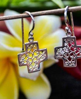 Saraswati Silver Silver Cross Earring