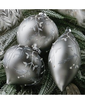 "Raz Elegant Leaf Ornament 7"""