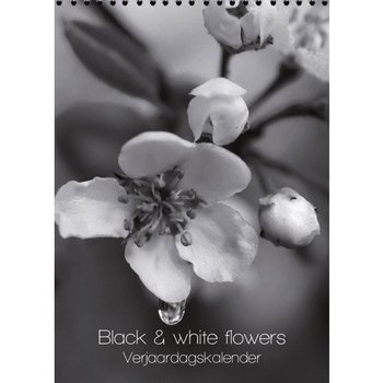 Black & White Flowers Birthday Calendar 7x9.8