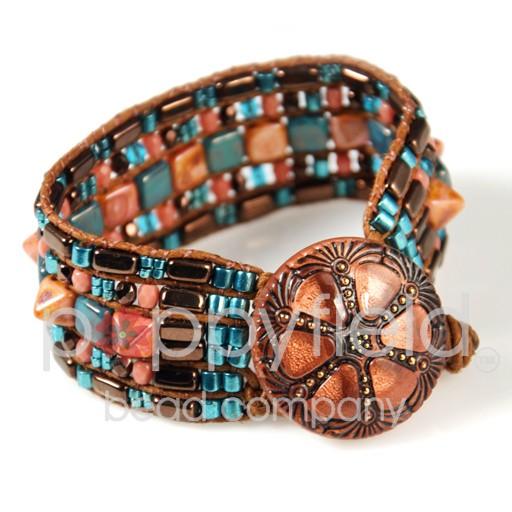 Czech 2-Hole Pyramid Stud Beads, 6mm, Crystal Labrador, 25 Beads/Strand