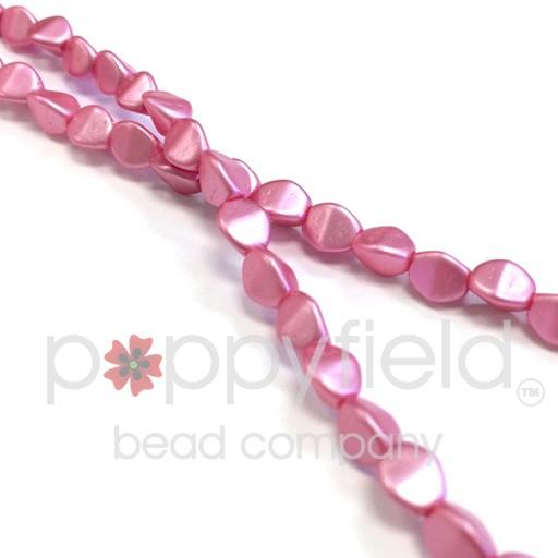 Czech Pinch Beads, 5 mm, Pastel Pink, 50 pcs
