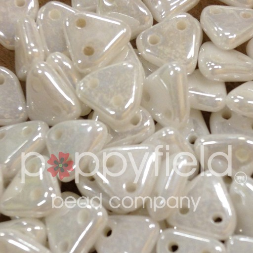 Czech CM Triangle, 6 mm, Lustre Opaque White, 10 g
