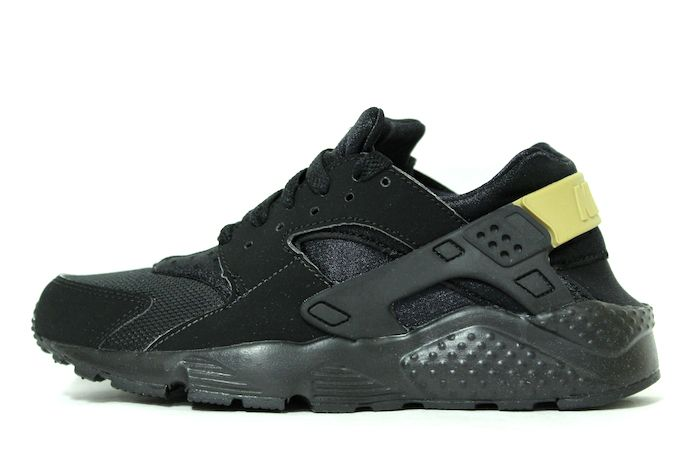nike huaraches black and gold