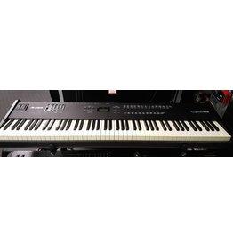 Used Alesis QS8 88-Note Keyboard
