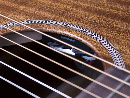 Seagull Seagull S6 Mahogany Deluxe Acoustic-Electric Guitar