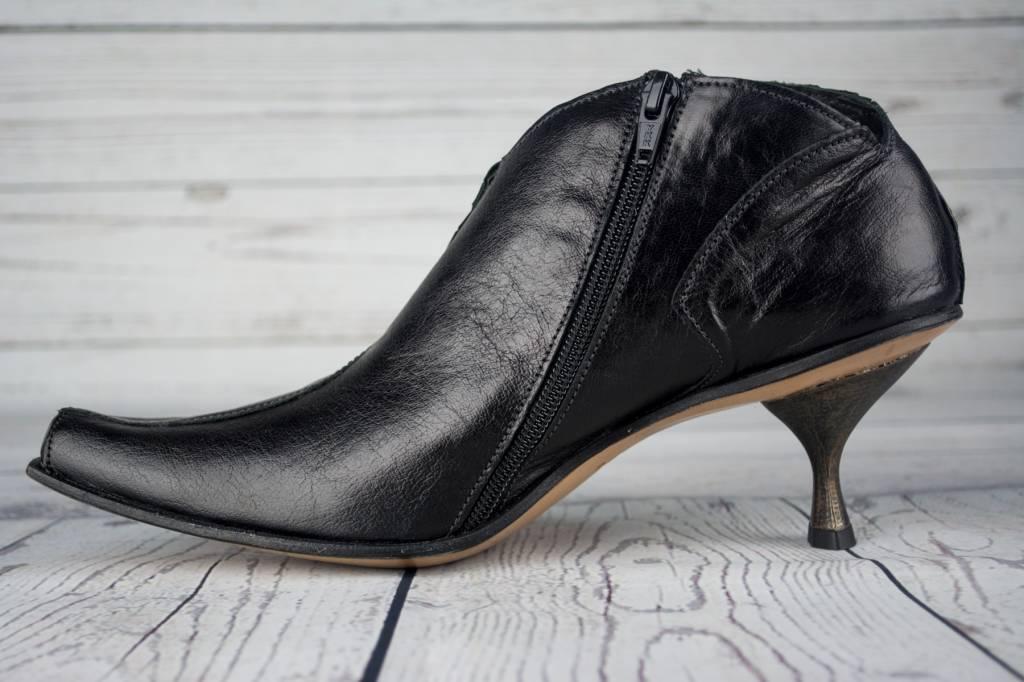 Cydwoq Hexagon Ankle Boot Black Shopeechicago Com