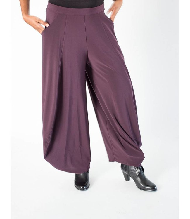 Sun Kim Stacy Ankle Pant