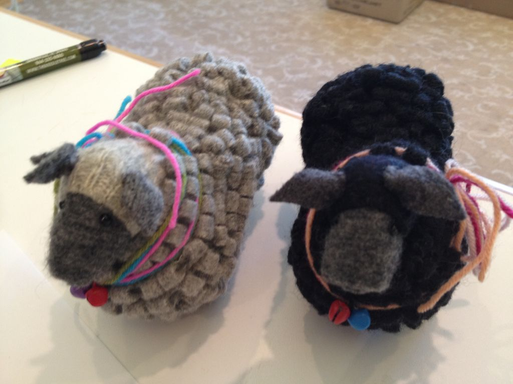 Accessories SHEEP PINCUSHIONS