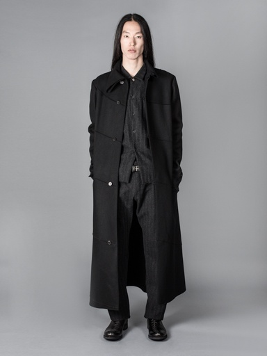 MA+ MA+ MEN UNLINED EXTRA LONG SPIRAL BODY COAT