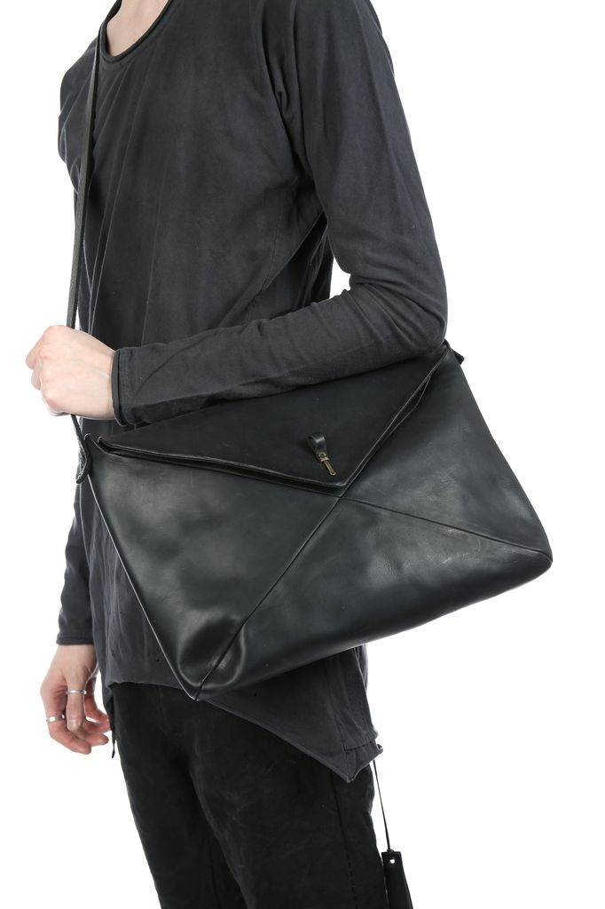 MA+ MA+ 15 VERTICAL ENVELOPE MESSENGER BAG