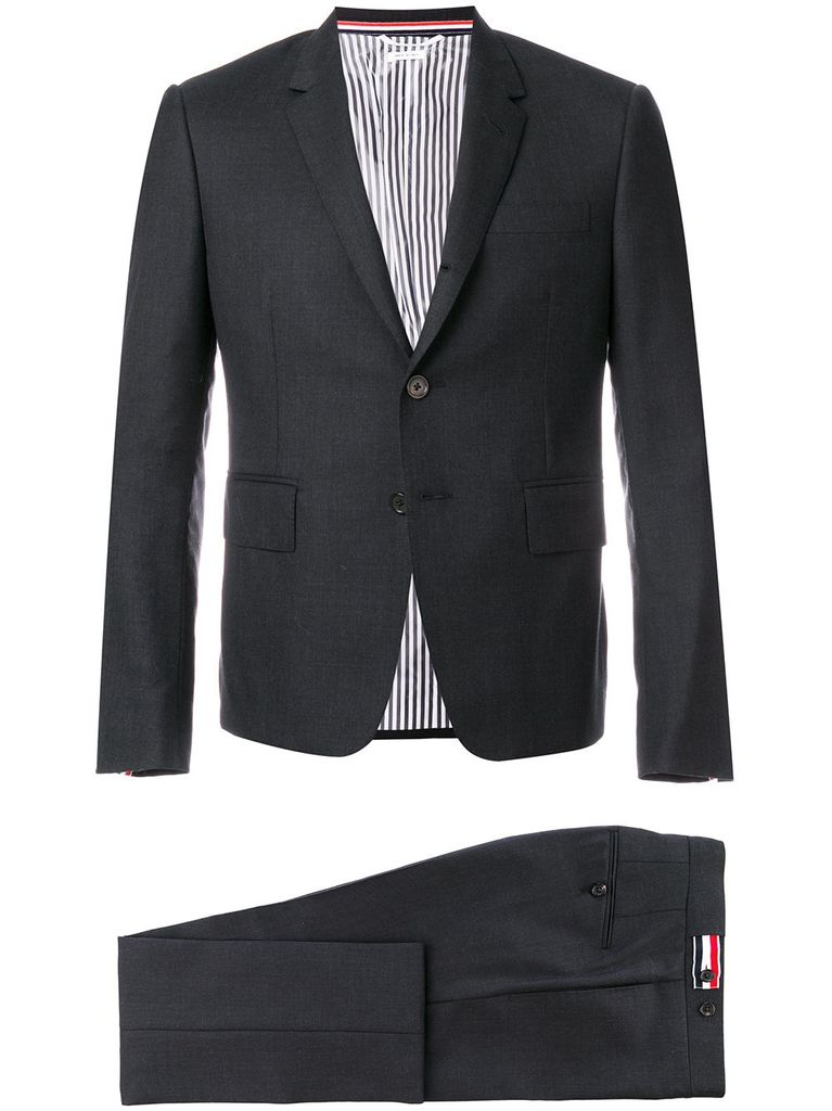 THOM BROWNE THOM BROWNE MEN HIGH ARMHOLE SUIT W/ TIE AND LOW RISE SKINNY TROUSER IN SUPER 120S TWILL SUIT SET