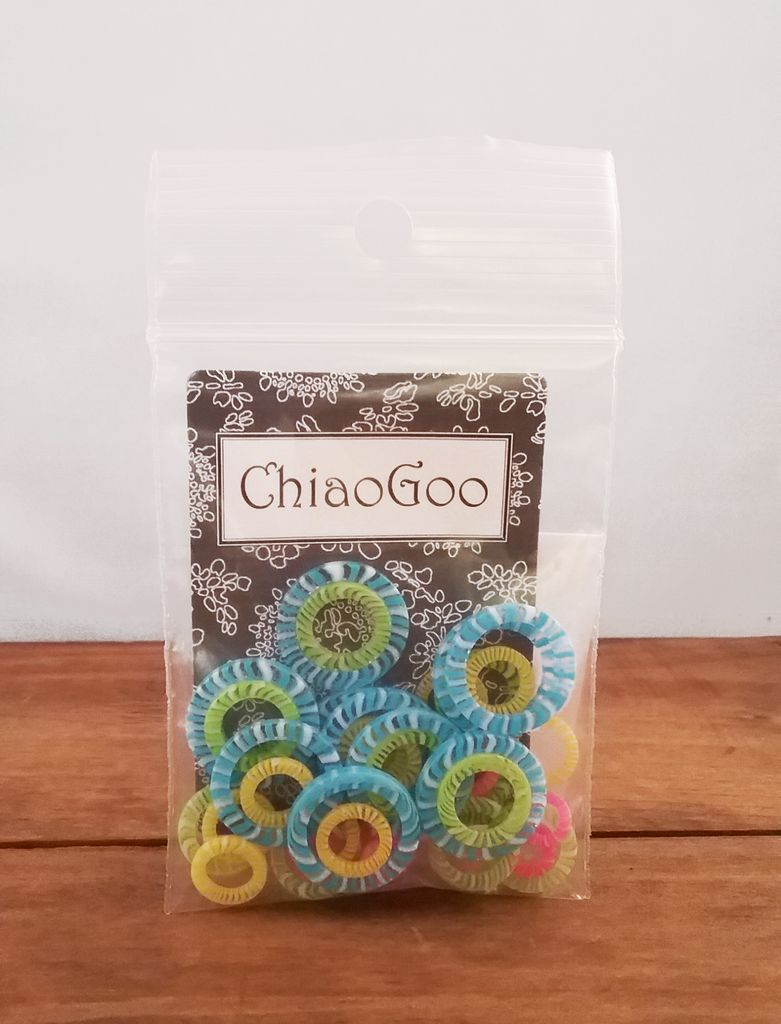 ChiaGoo  |+|  Stitch Markers  |+| Assorted Colors Plastic |+| 6 x 4 colors
