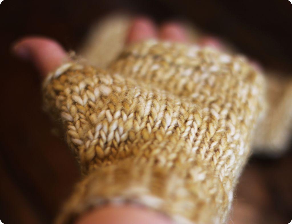 knit a mitt