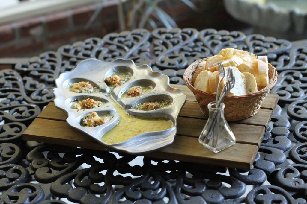 Le Petite Oyster Bed