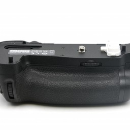 Used Nikon MB-D16 grip
