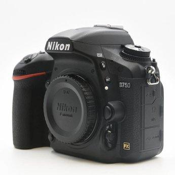 Used Nikon D750 body 15.3k clicks