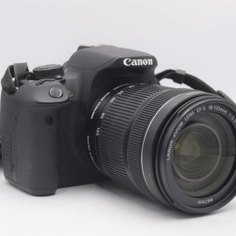 Used Canon T5i w/18-135 STM (12,600 clicks)