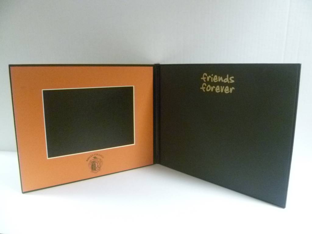 FRAME-SIGNATURE FOLIO