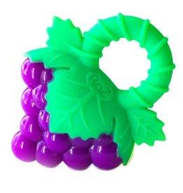 Raz Raz-Grapes Teether
