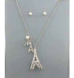 Golden Stella Eiffel Tower Pendent w/Crystal Necklace & Pearl Earrings Set