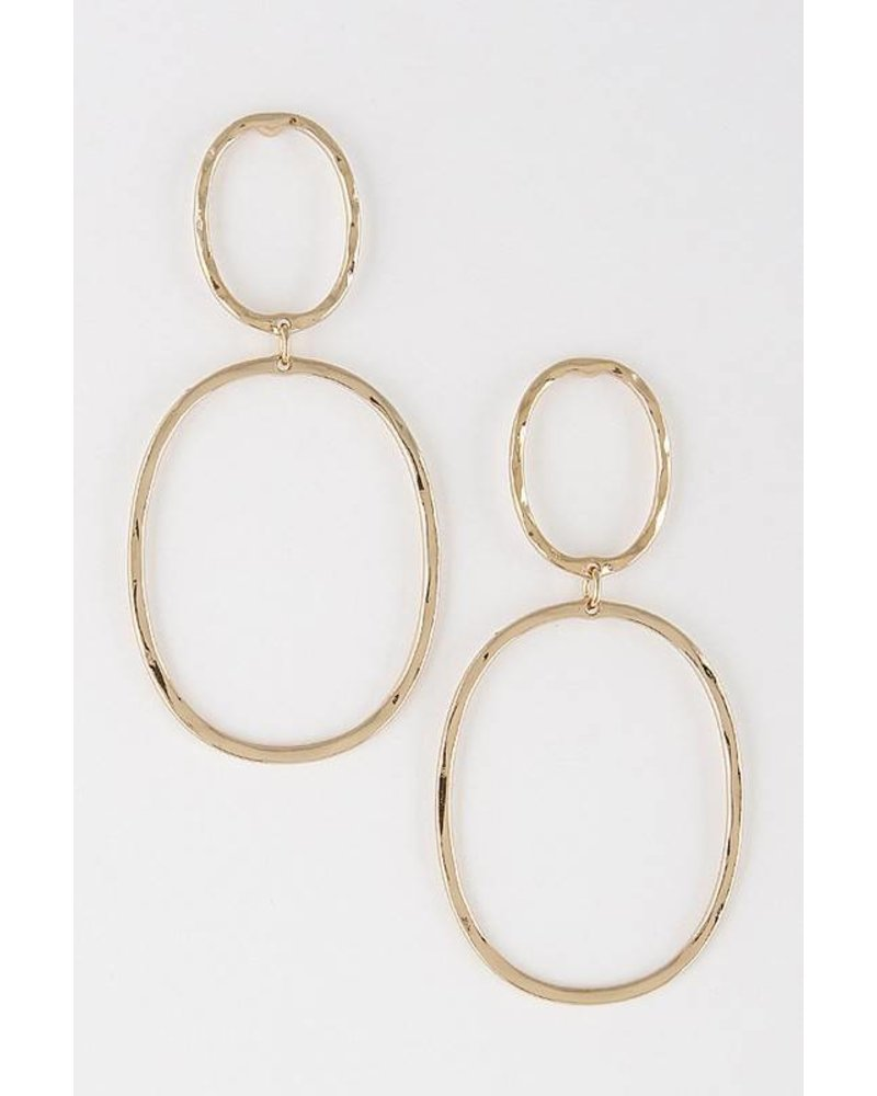 Linked In Metallic Gold Earring