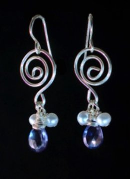 Something Charming Silver Swirl Earring with Black Crystal